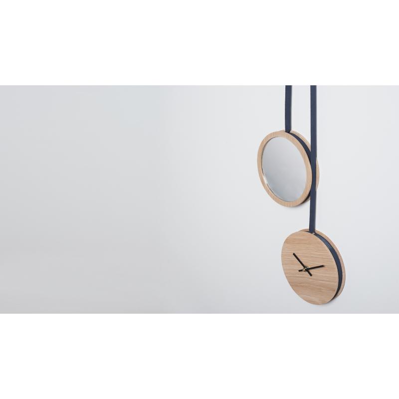 horloge miroir en bois au design scandinave. Black Bedroom Furniture Sets. Home Design Ideas