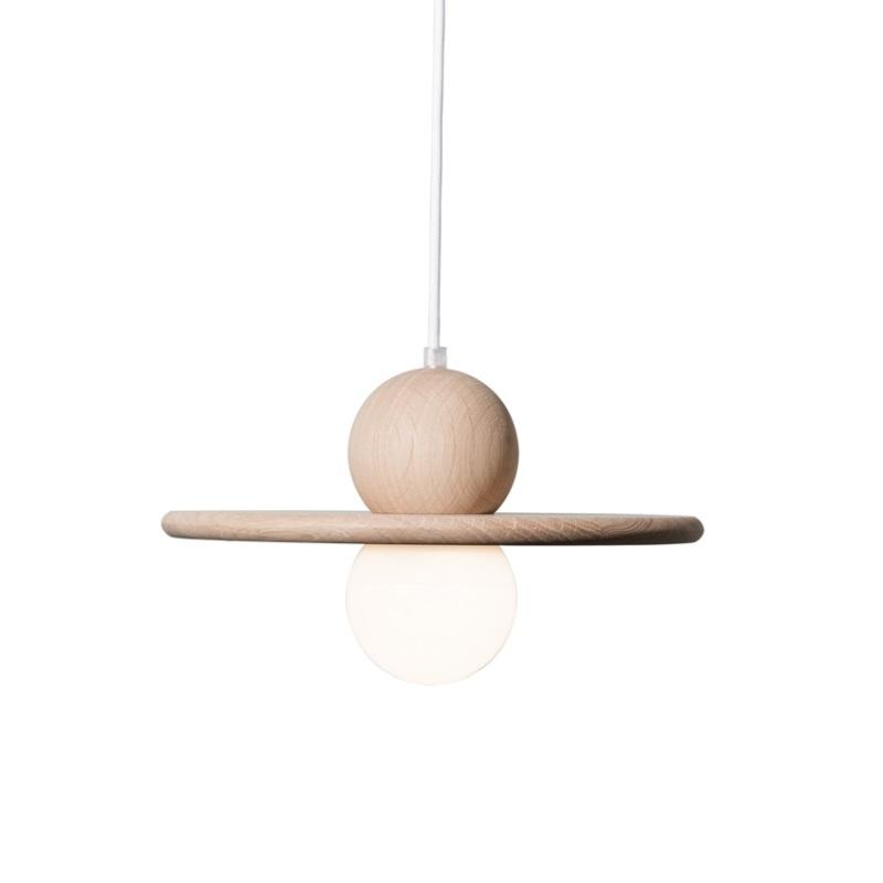 suspension au design scandinave en bois n buleuse. Black Bedroom Furniture Sets. Home Design Ideas