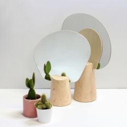 Miroir design avec support en bois Ping Pong