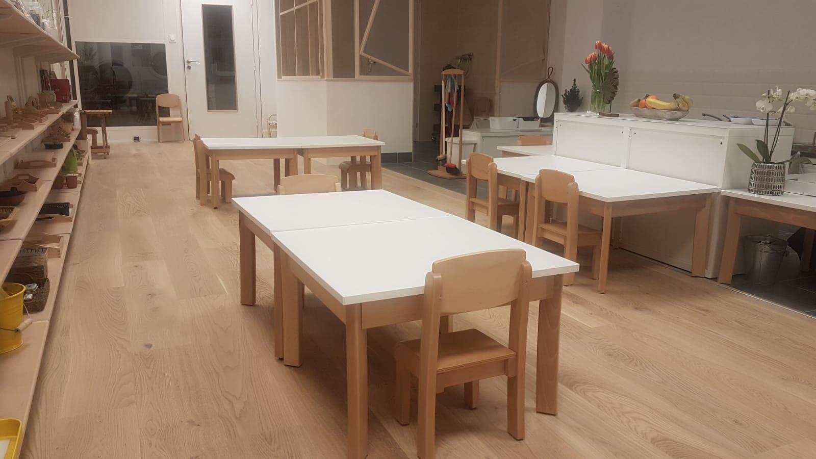Table et chaise écolemontessori