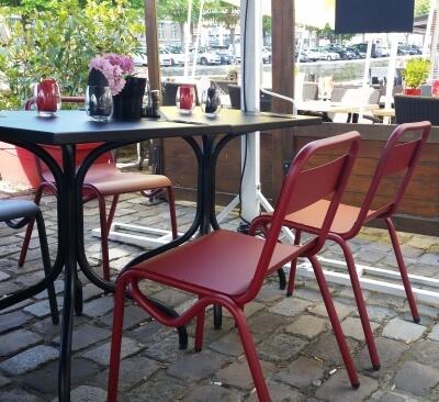 Terrasse du bar à vins le Tire Bouchon quai saint Leu à Amiens